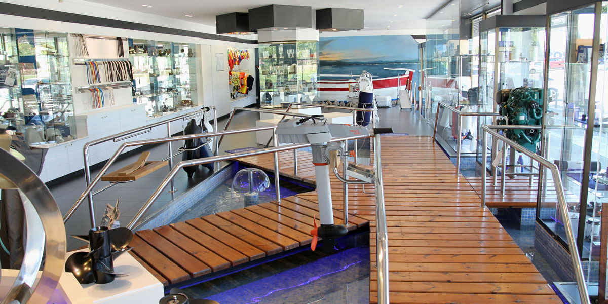 Boutique tienda acastillaje Instalaciones Nautic Center